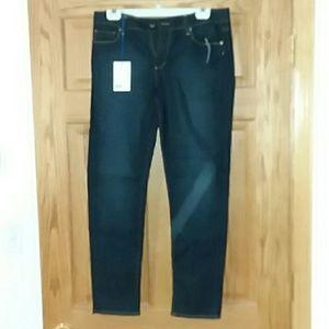 Skyline ankle peg Paige jeans